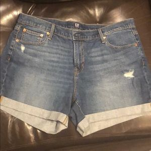 NWOT Gap denim shorts